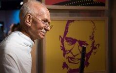 Neįprastas dvasinio lyderio M. Gandhi seksualinis gyvenimas: lovoje su jaunomis nuogomis merginomis