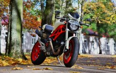 2010 m. gamybos Ducati Monster 1100 ABS