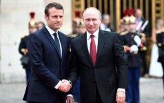 E. Macronas siunčia žinią V. Putinui: Prancūzija nepripažins Krymo aneksijos