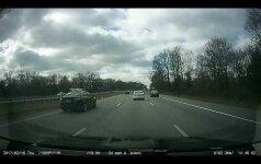 Greitkelyje nufilmavo netikėtą incidentą