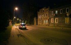 Moterį partrenkęs vairuotojas spruko, policija ieško bėglio