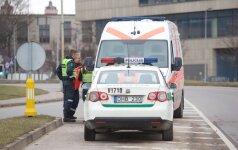 Agresyvus moksleivis iš mokyklos išvežtas į psichiatrijos ligoninę