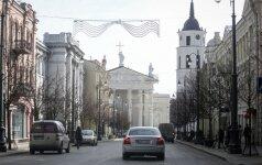 Policija neapsikentė: prašo Vilniaus valdžią spręsti keblumų keliančią situaciją Gedimino prospekte