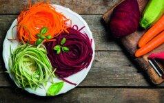 Kūrybiškas sprendimas: lengvai pagaminamos spalvingos salotos