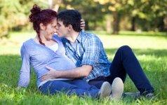 Paauglių nėštumo atvejų Anglijoje sumažėjo perpus