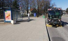 Panevėžyje pradėtos dezinfekuoti viešojo transporto stotelės