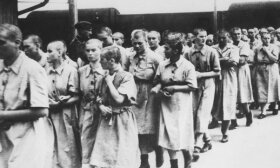 Keturios moterys, atskleidusios, ką joms darė nacių koncentracijos stovykloje: nešvarios šukės ir tiriamosios operacijos