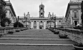 Ištuštėjusios Romos tekstai ir milijono eurų vertės fotosesija