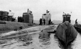 Vokiečių povandeniniai laivai prie Norvegijos krantų. Antras iš dešinės – modernus XXI serijos povandeninis laivas. 1945 m. balandis.