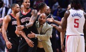 """Griffino ir Riverso ieškoję įsiutę """"Rockets"""" žaidėjai įsilaužė į """"Clippers"""" rūbinę"""