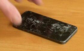 Rastas sprendimas, leisiantis pradėti telefonų su nedūžtančiais ekranais gamybą
