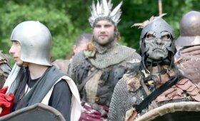 """Penkios armijos iš romano """"Hobitas"""" persikėlė į mišką Čekijoje"""