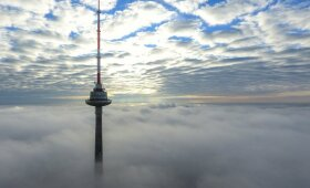Vilniaus televizijos bokštas virš debesų