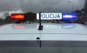 """Rykantuose susidūrė vilkikas ir """"Peugeot"""", į ligoninę išgabentas sužalotas vyras"""