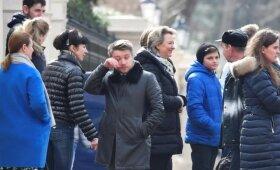 Prie Rusijos ambasados Londone – ašaringas atsisveikinimas