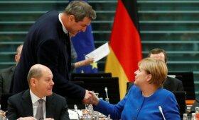 Euro zonos reformų planus stabdo suirutė Italijoje ir Vokietijoje