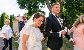 Trakuose ištekėjo atlikėja Evelina Sašenko: prie šios bažnyčios įvyko pirmasis pasimatymas