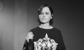 """Mirė grupės """"The Cranberries"""" 46-erių vokalistė: artimieji ir gerbėjai priblokšti"""