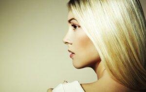 Patarimai, kaip atgaivinti karščio nualintus plaukus + KONKURSAS