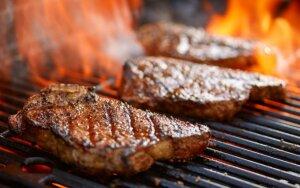 Kokius prieskonius geriausia rinktis kepant mėsą ant grotelių?