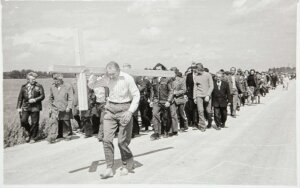 Juliaus Sasnausko archyvo nuotraukos, procesija