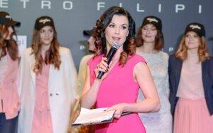 Stilingiems svečiams pristatyta naujausia elegantiškos mados prekių ženklo kolekcija