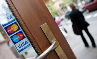 """<a href=""""http://tv.delfi.lt/video/mYdz2KwK/"""">Kam teikiate pirmenybę: banko mokėjimo kortelei ar gryniesiems pinigams?</a>"""