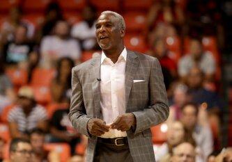 """""""Knicks"""" legenda: dabartiniai NBA žaidėjai yra tokie jautrūs, jog turėtų nešioti sukneles"""