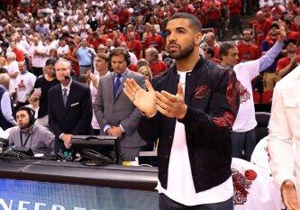 Reperis Drake\'as diriguos pirmajam NBA apdovanojimų šou