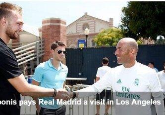 """Netikėtas susitikimas: D. Sabonis viešėjo Madrido """"Real"""" treniruotėje ir spaudė ranką Z. Zidane\'ui"""
