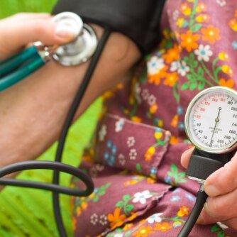 Aukštas kraujospūdis: kas tai yra, kuo gresia ir kaip gydyti