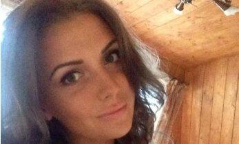 Mini sijonėlis ir gundanti iškirptė išryškino Monikos Šedžiuvienės seksualumą
