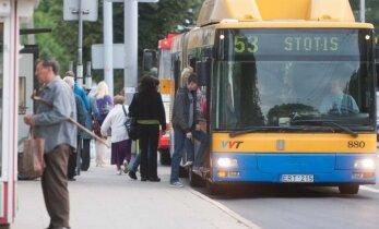 Į darbą – viešuoju transportu: kuo bjaurisi ir gėrisi vilniečiai