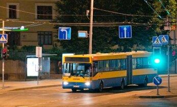 Į sostinės gatves grįžta naktiniai autobusai