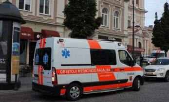 Į ligoninę greitosios pagalbos medikų atvežtai merginai teko susimokėti baudą