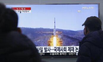 Japonija griežtina sankcijas Šiaurės Korėjai