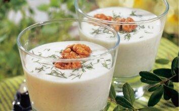 Šalta agurkų ir jogurto sriuba