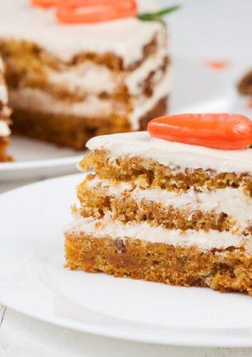 Tobulai skanus morkų tortas