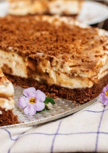 Karamelinis sūrio pyragas su KARVUTĖS saldainiais