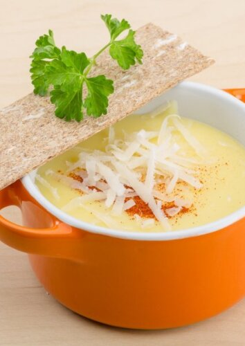 Žiedinių kopūstų ir sūrio sriuba