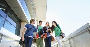 Perspėja studentus netikėti žadamomis nuolaidomis