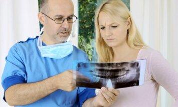 Odontologas ir pacientė