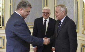Petro Porošenka su Jeanu-Marcu Ayrault ir Franku-Walteriu Steinmeieriu