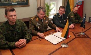 J. V. Žukas ir NATO pajėgų integravimo vieneto vadovybė
