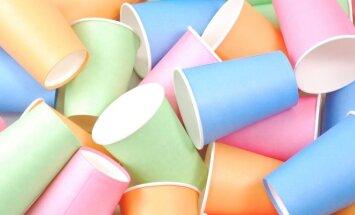 """<span style=""""color: #ff0000;"""">VIDEO:</span> elegantiškos sodo girliandos gamyba iš popierinių stiklinaičių"""