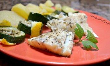 Žuvis, troškinta su cukinija ir bulvėmis