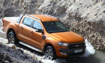 Ford Ranger gali įveikti iki 80 cm brastą