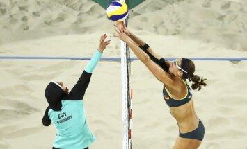 Paplūdimio tinklinio varžybos tarp Vokietijos ir Egipto