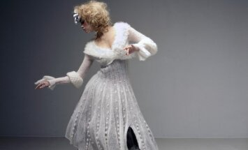 Indros Dovydėnaitės kurta vestuvinė suknelė