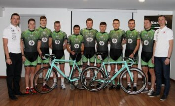 Staki-Baltik vairas dviratininkų komanda  (T. Gaubio nuotr.)
